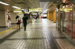 1.從東京Metro銀座站C8出口出站。